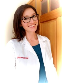 This image has an empty alt attribute; its file name is pharmacist-sm.jpg